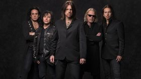 VIDEO: Onstage nightmares with Black Star Riders