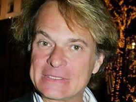 David Lee Roth puts nuts in mouth, almost dies