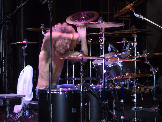 Tommy Aldridge gets hands on