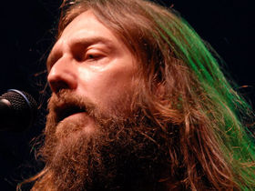 Black Crowes sue country star Gretchen Wilson