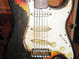 Hendrix Strat sells for $575,000