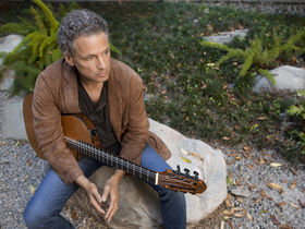 "Lindsey Buckingham: ""Fleetwood Mac still have a lot to say"""