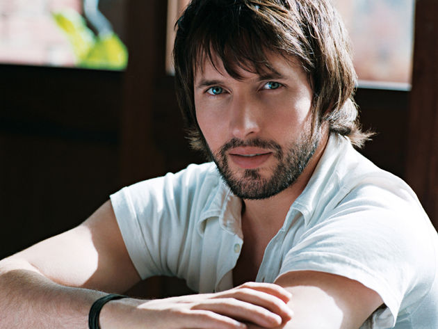 James Blunt - even a doctor agrees his fingers need breaking.