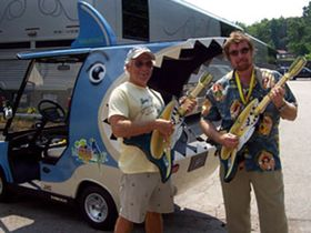 Jimmy Buffett tour features mobile video game contest