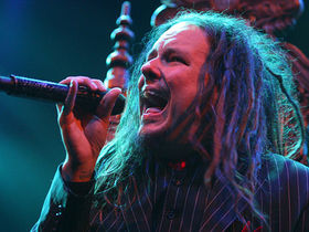 Jonathan Davis is tired of Korn
