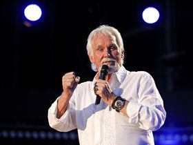 Kenny Rogers: five festival performance tips
