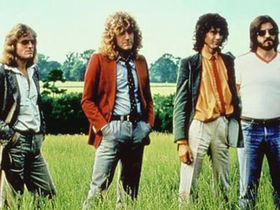 Robert Plant: Led Zep reunion held up by paperwork