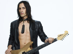MusicRadar interview: Extreme's Nuno Bettencourt
