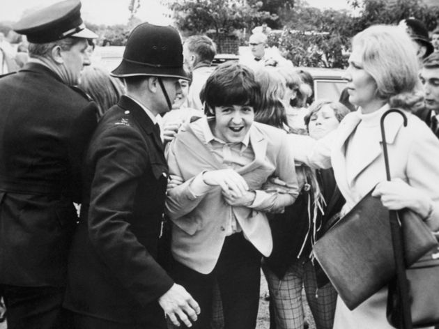 Mobbed, 1966