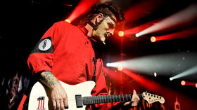 VIDEO: Me and my guitar - Slipknot and Stone Sour's Jim Root