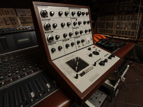 A early British semi-modular synth from 1969.