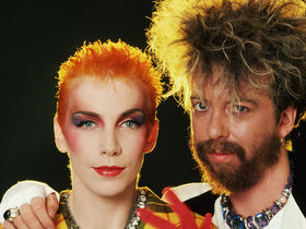 Get the sound of Eurythmics' Sweet Dreams