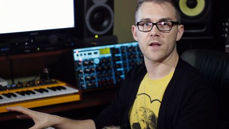 Video: Funkagenda making Dubstep bass in Massive