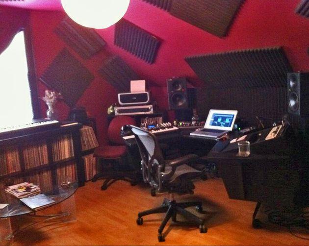 AKZ's studio