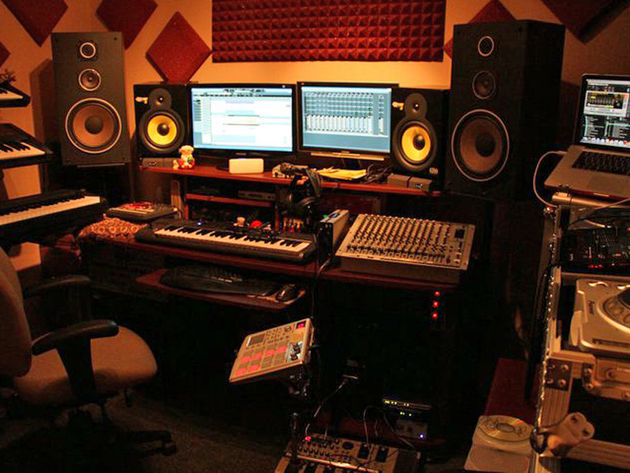 Amir Music's studio