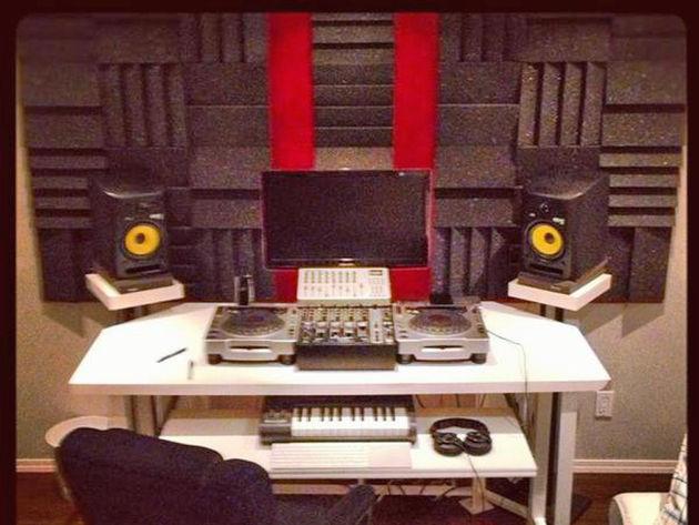Calen James' studio