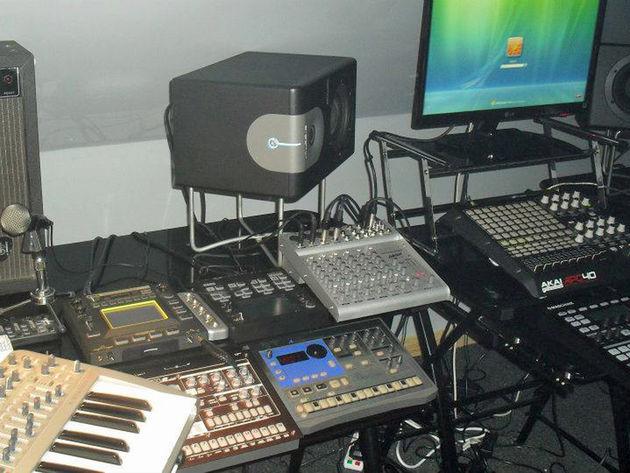 Darrin Elektronikal Carlisle's studio