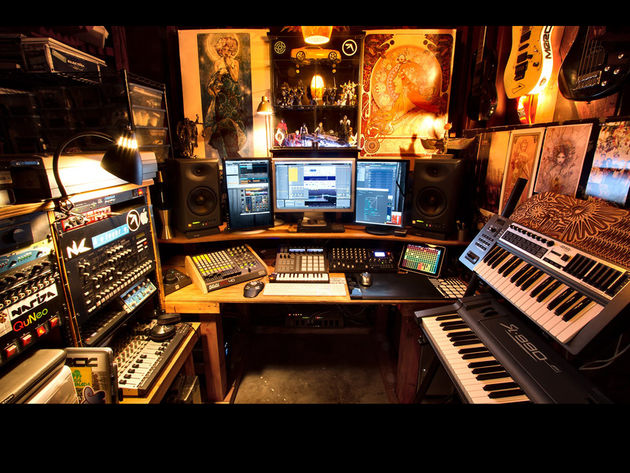 Nathaniel Reeves' studio
