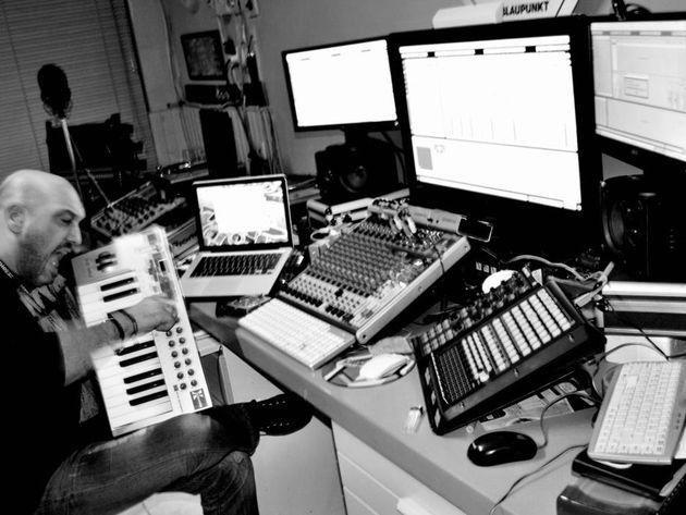 Pete Zandia's studio