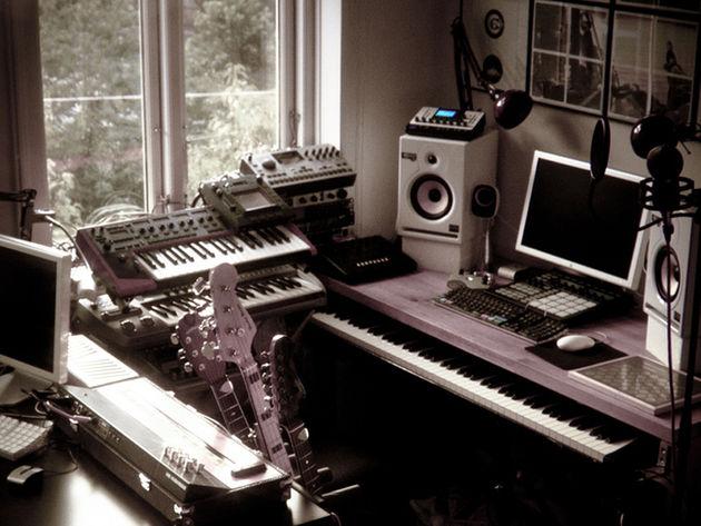 Rasmus Nyåker's studio