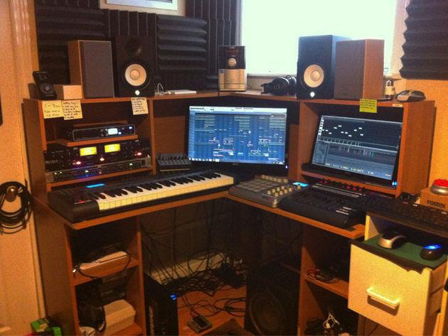 Stevie Deez studio
