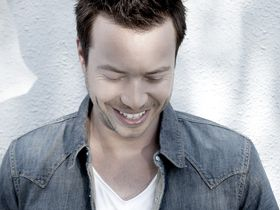 Sander van Doorn interview and studio video