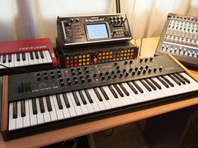 Dave Smith Instruments Prophet 08