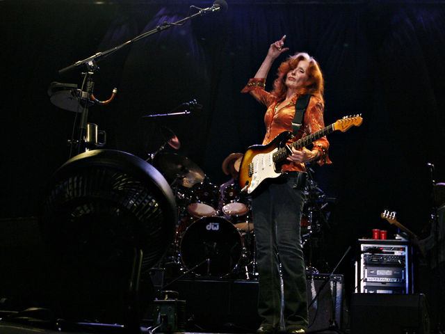 Me And The Boys - Bonnie Raitt