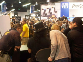 NAMM 2008 BLOG: Satriani pedals and Slash signing