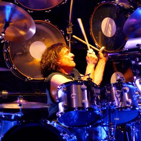 6 career defining records of Vinny Appice