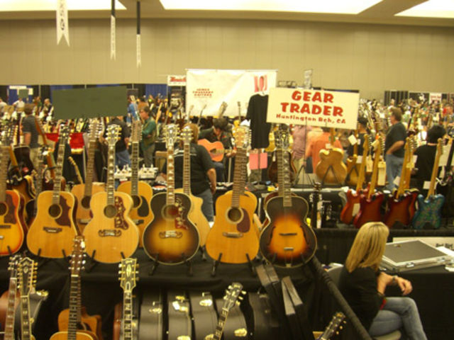Now that is a lot of guitars…