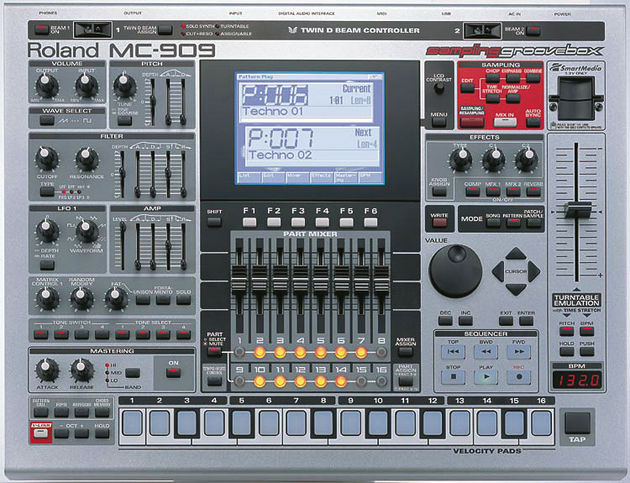 Roland MC-909 новый за 45000р. Все объявления из категории Музыкальн