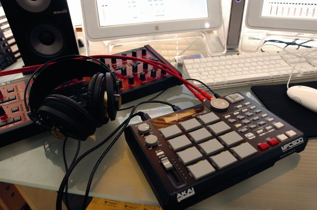 Just as at home in your studio or on the groove, the 500 is a travelling musicians dream