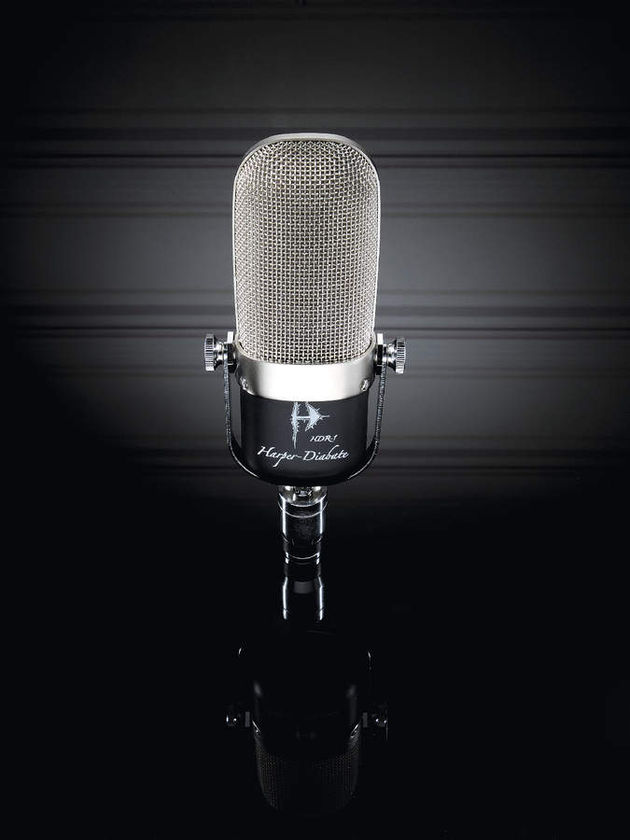The HDR-1 ribbon microphone