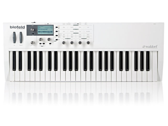 The 49-note keyboard is a good compromise between portability and playability.