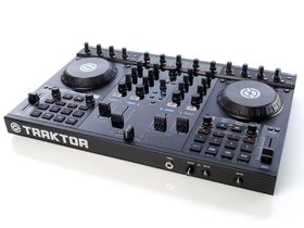 12 of the best DJ controllers