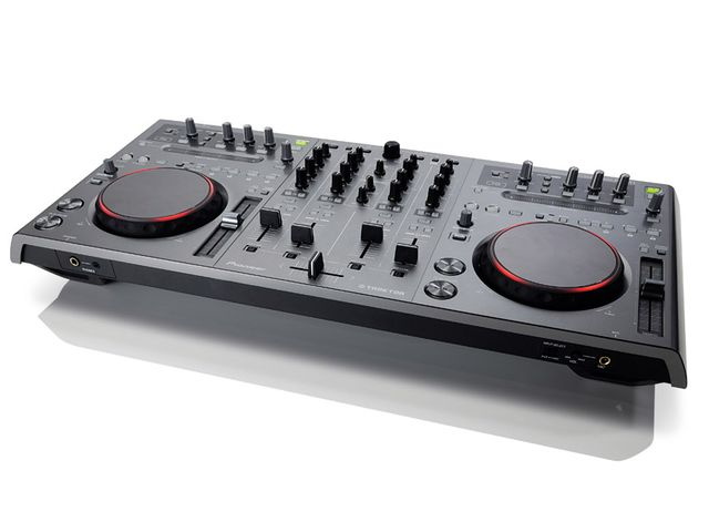 The DDJ-T1 will be instantly familiar to anyone that has used the company's CDJs.