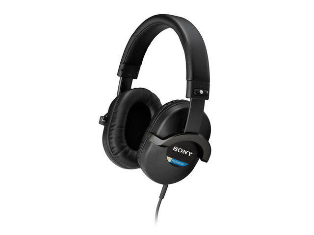 The MDR-7510s offer a consistent frequency response at all volume levels.