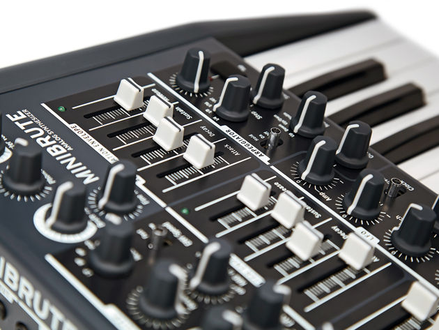 The MiniBrute features two independent ADSR envelopes. The filter envelope can also modulate the square wave's pulse width and the triangle's metalizer.
