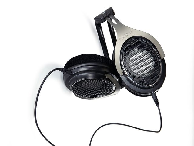 Shure's SRH1840 headphones serve up fantastically true sound.