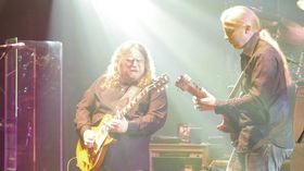 Derek Trucks and Warren Haynes to leave Allman Brothers Band