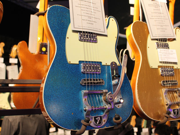 Fender Double TV Jones Relic Telecaster in Blue Sparkle
