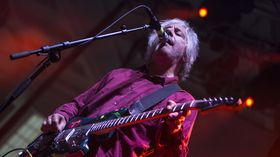 Watch Lee Ranaldo guitar clinic