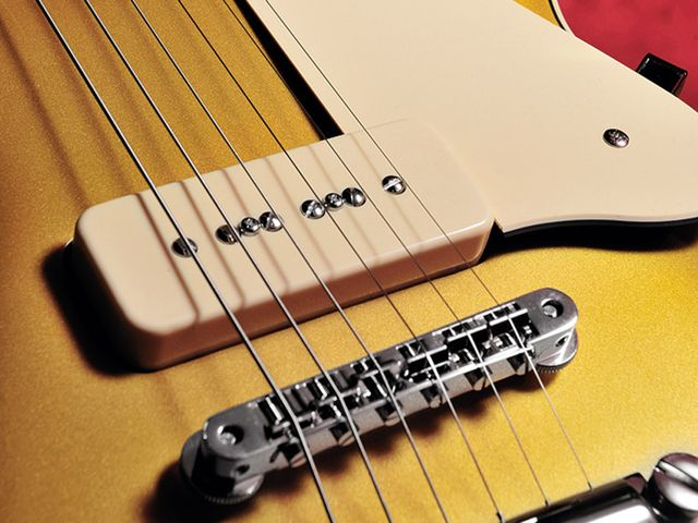 The SG1802's P-90-style pickups give it a real vintage tonality