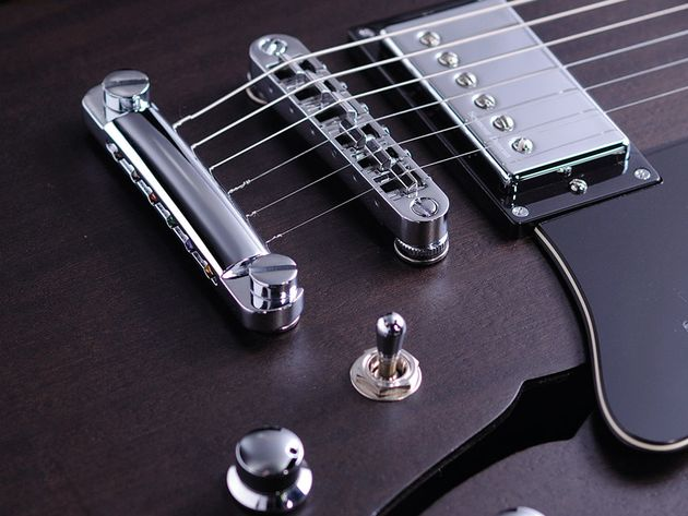 The Tone Pros hardware reflects the overall quality of the Mayfield range.