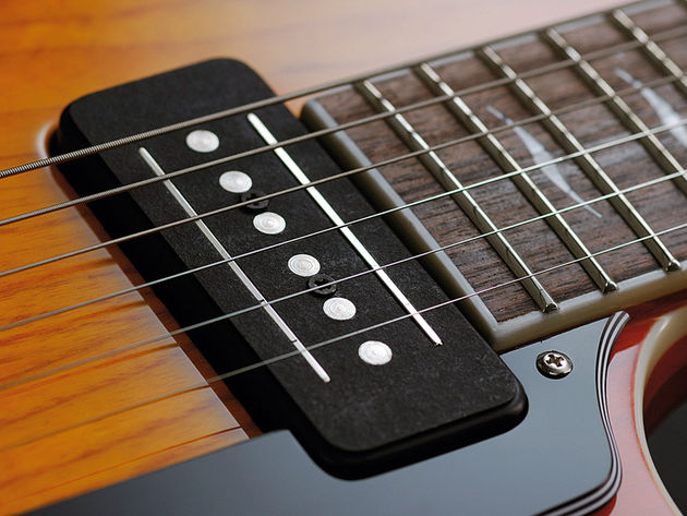 Kitted out with Vox's tri-mode CoAxe pickups.