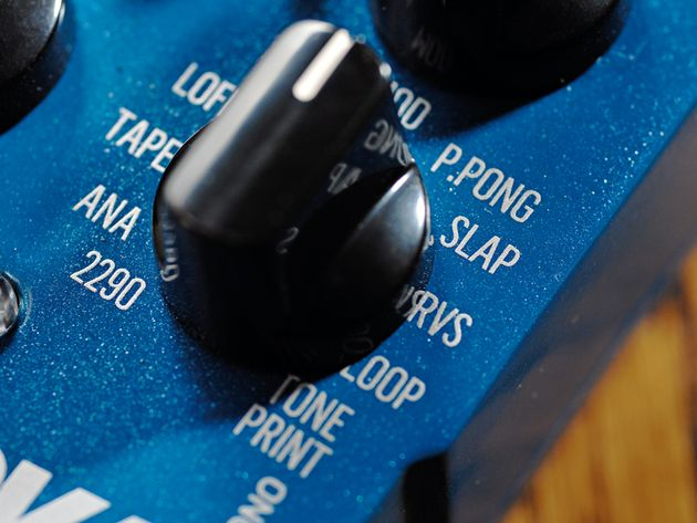 Want loads of delay types in one compact pedal? Here we are, then...