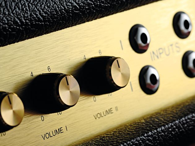 The channel inputs can be bridged, in classic Marshall style.