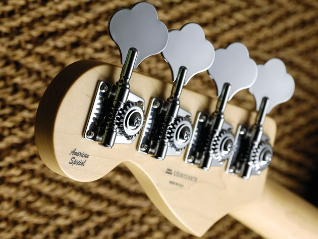 Open-gear 'shamrock' tuners feature on the traditional Jazz bass.