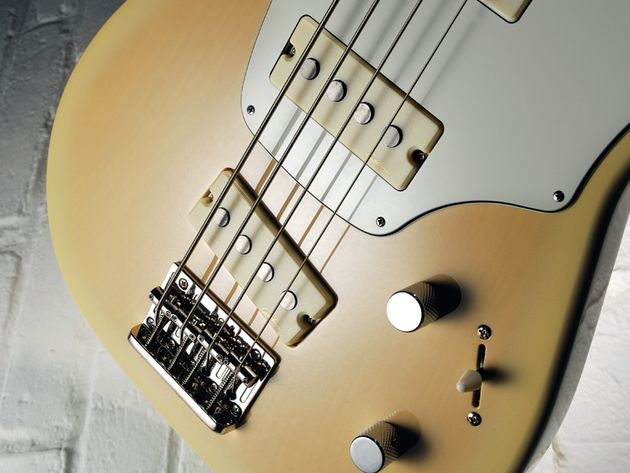 The large single-coil pickups on the Shifter are very eye-catching.